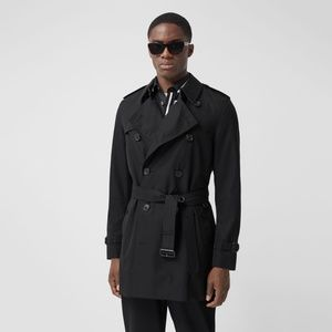 Burberry -The Short Wimbledon Trench Coat in Black